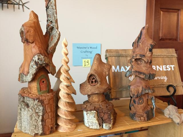 more wood carvings: little houses